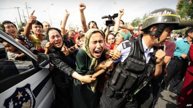 Derita Muslim Uyghur di Cina