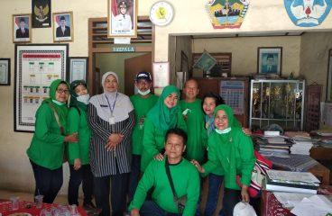Alumni SMP N 1 Klaten Angkatan '76; Alirkan Kebahagiaan melalui Dropping Air Bersih DSH